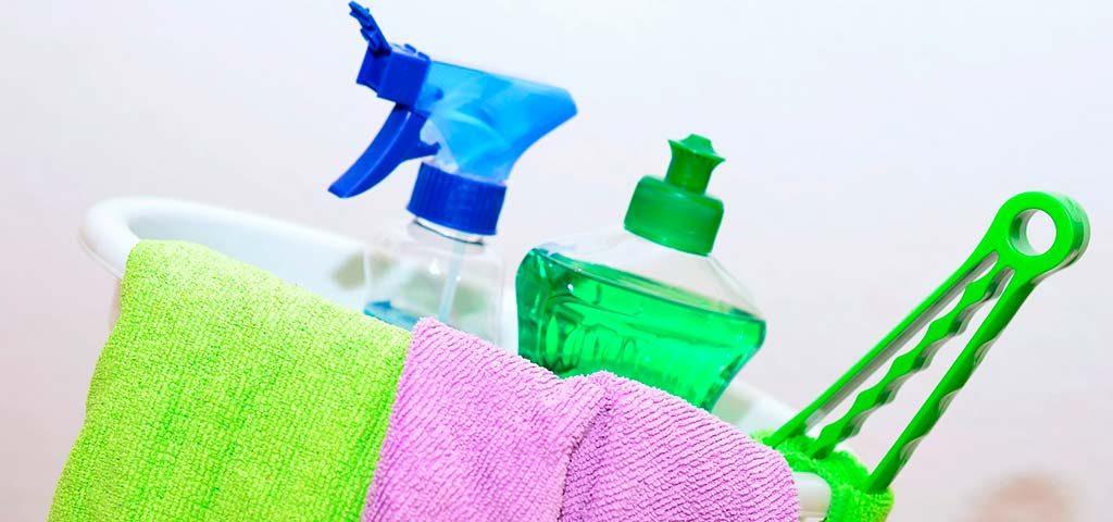 Los Beneficios De Contratar Un Servicio De Limpieza