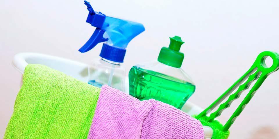 Los beneficios de contratar un servicio de limpieza profesional